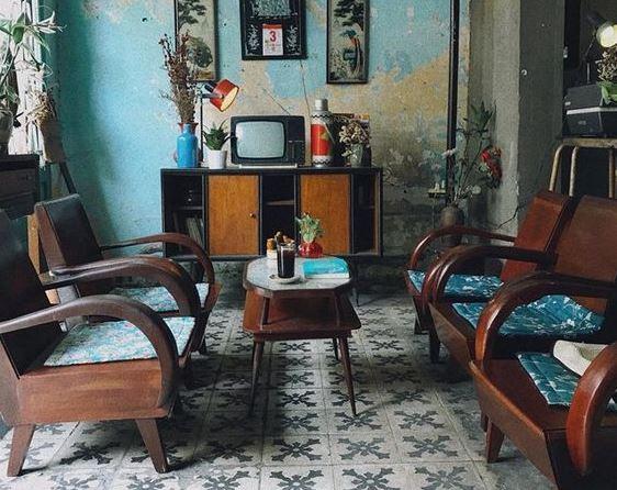bàn ghế gỗ phong cách vintage hoài cỗ