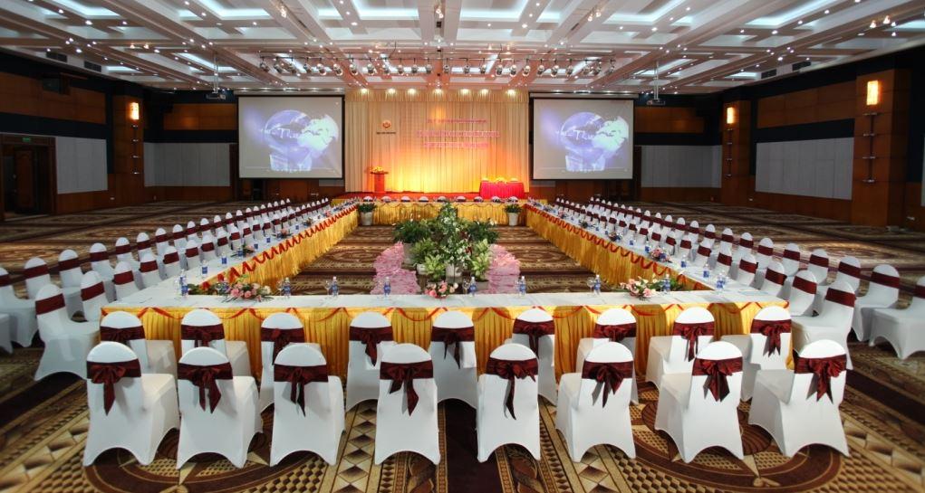 Cách bố trí bàn ghế phòng hội nghị