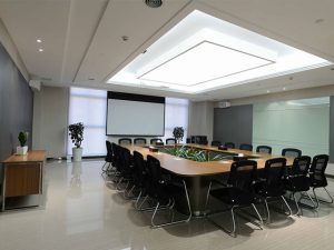 sắp xếp chỗ ngồi trong phòng họp